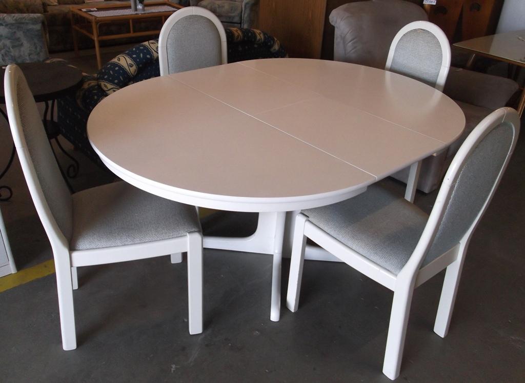 Elegant Interesting Runder Tisch Ausziehbar Mit Sthlen In Wei With Weier Runder  Tisch With Weier Esstisch Zum Ausziehen With Runder Tisch Zum Ausziehen